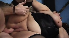 Soaked mature bitch wants to be banged hard up her worn-out cunny